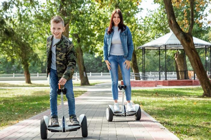 10 Hoverboard Games You Can Play with Your Loved Ones